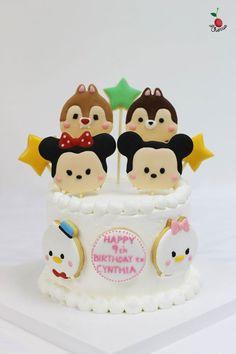 Mickey & Friends Tsum Tsum Birthday Cake Tsum Tsum Birthday Cake, Tsum Tsum Party, Mickey And Minnie Cake, Minnie Mouse Cake, Cute Cakes, Yummy Cakes, Fondant Cakes, Cupcake Cakes, Tsumtsum