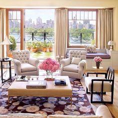 Интерьер гостиной с видом на город #интерьер #декор #декорирование #стиль #американский #гостиная #дизайн #дизайнинтерьера #идеи #вдохновение #kashtanovacom #interior #livingroom #decor #design #interiordesign