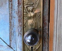 Door knobs and knockers, knobs and handles, door handles, portal, art nouve Door Knobs And Knockers, Knobs And Handles, Door Handles, Art Nouveau, Art Deco Door, Jugendstil Design, Modernisme, Door Detail, Unique Doors