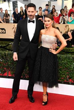 Joe Manganiello and Sofia Vergara /red carpet /sag awards /2017