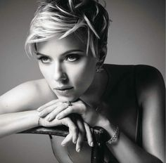 Scarlett Johansson (American) (actor) (face) (sit) (front)