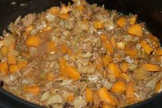 My slow cooker cottage pie takes just a few minutes to prepare and gives you a delicious, filling and rich cottage pie that is cheap and tasty. Slow Cooker Recipes Uk, Uk Recipes, Beef Recipes, Slow Cooker Gammon, Slow Cooker Roast, Slow Cooker Chicken Mushroom, Beef Keema, Cottage Pie, Roast Dinner
