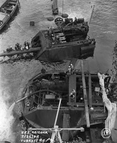 [Photo] Salvage work continuing on the sunken battleship USS Arizona in Pearl Harbor, Hawaii, 25 Feb Note Arizona's two after main turrets being pumped out and disassembled. History Online, Us History, Naval History, Military History, Portsmouth, Les Satellites, Us Battleships, Uss Arizona, Us Navy Ships