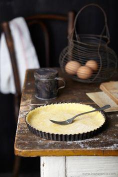 Preparing apple frangipane tart