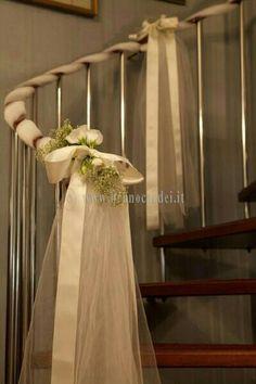 Wedding Staircase Decoration, Home Wedding Decorations, Home Decoration, Decor  Wedding, Porch Railings, Banisters, Wedding Preparation, Church Wedding, ...