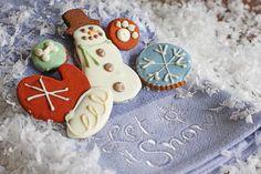 Bone Appétit Bakery - Let It Snow, $9.99 (http://www.gottreats.com/gourmet-treats/seasonal/let-it-snow/)