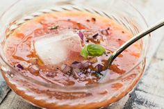 Apricot Gazpacho ~ a refreshing chilled soup based on Spanish gazpacho, this healthy summer appetizer will wow everybody! Pepper Jelly Recipes, Hot Pepper Jelly, Slaw Recipes, Cake Recipes, Drink Recipes, Cooking Recipes, Mexican Chocolate Cakes, Fruit Soup, Cabbage And Bacon
