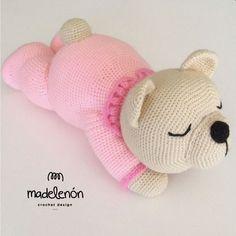 Sleepy Bear amigurumi pattern by Madelenon