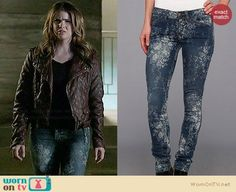 Malia's brown quilted leather jacket and blue floral jeans on Teen Wolf.  Outfit Details: https://wornontv.net/34319/ #TeenWolf