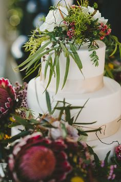 A Nature Inspired Australian Native Flower Wedding Kim Chris Wedding Cake Fresh Flowers, Wedding Reception Flowers, Floral Wedding, Wedding Bouquets, Wedding Ideas, Wedding Inspiration, Cake Flowers, Wedding Themes, Wedding Styles