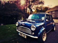 Wide and blue Classic Mini with nice rims <3