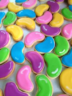 mini Easter  jelly bean cookies--no tutorial but you can figure this out--they're really cute though