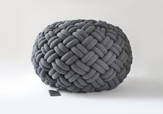 Knotty floor cushion dar grey