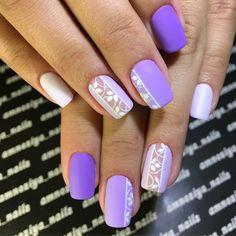 nail art facile en violet et blanc