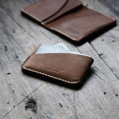 Items similar to / Three Pockets Leather Card Holder, hand stitched leather wallet - Brown on Etsy Stitching Leather, Hand Stitching, Luxury Mens Wallets, Tan Leather, Leather Wallet, Leather Projects, Card Holder, Vintage Fashion, Pockets