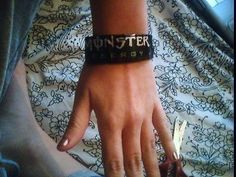 Monster Bracelet  •  Free tutorial with pictures on how to make a can cuff in under 30 minutes