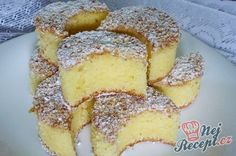 Nebíčko v tlamičce - křehké oříškové půlměsíčky Slovak Recipes, Czech Recipes, Poppy Cake, Better Butter, Sweet Cakes, Mini Cakes, Quick Easy Meals, French Toast, Dessert Recipes