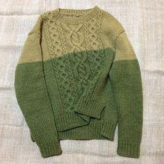 ザクロの果皮で染めたWool 100%の糸で手編みしてもらいました。 斜めケーブルで裾もアンシンメトリーです。 I had to hand-knitted in Wool 100% yarn dyed in the pericarp of pomegranate . Hem in diagonal cable is asymmetry .