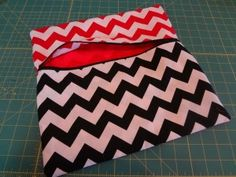 Lined zippered pouch of your size tutorial.