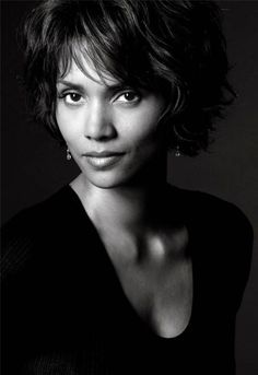 Seriously, One of the most beautiful women in the world.  Halle Berry ~Repinned Via susiebrks@gmail.com