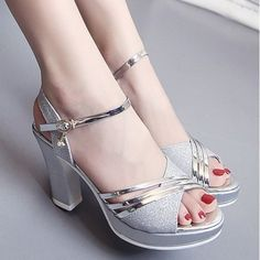 Platform Sandals - Know All You Are Able About Shoes Now Pretty Shoes, Beautiful Shoes, Cute Shoes, Kawaii Shoes, Wedding Shoes Heels, Silver Heels, Girls Shoes, Shoes Women, Fashion Shoes