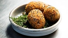 MasterChef - Scotch Eggs with Aubergine and Manchego - Recipe By: Yotam Ottolenghi ten play Yummy Healthy Snacks, Yummy Food, Egg Recipes, Cooking Recipes, Scotch Eggs Recipe, Masterchef Recipes, Cheesy Mashed Potatoes, Yotam Ottolenghi, Ottolenghi Recipes