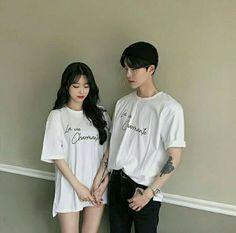 Fashion Kids, Fashion Couple, Ootd Fashion, Fashion Outfits, Style Fashion, Korean Fashion Ulzzang, Korean Fashion Casual, Matching Couple Outfits, Matching Couples