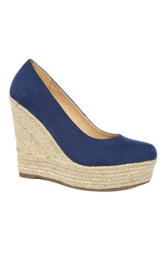 Primark - Marineblaue Pumps mit Bast-Wedge