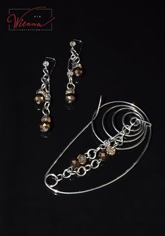 Handmade jewelry and author's models material:Stainless Steel,Glass Gold Brooches, Pink And Gold, Casual Outfits, Handmade Jewelry, Jewelry Design, Stainless Steel, Clothes For Women, Brown, Bracelets