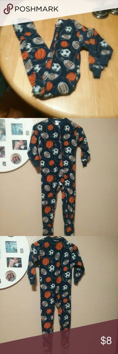 BOYS PJS ANY 2 FOR $🔟! TODAY ONLY ! 🆒 Dark blue with printed images of footballs, basketballs, and baseballs.  Very warm. These have been warn but are in good condition.  Very warm and great for fall and winter. Cherokee Pajamas Pajama Sets