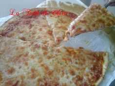 Pizza aux 3 fromages / la table de Clara Pizza, Cheese, Food, Table, Hot Appetizers, Fall Season, Winter, Recipes, Essen