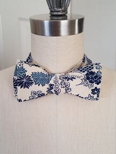 Indigo blue vintage Japanese kimono silk self-tie bow tie. by BabyAndMommaBoutique on Etsy