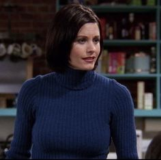 Monica Friends, Courtney Cox, Turtleneck Outfit, Awesome Anime, Tv Shows, Turtle Neck, Actors, Anime Stuff, Hair