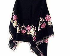 Scarf Aprons Placamats Doilies Handmade by sorahandmadeshop Crochet Gifts, Crochet Lace, Cotton Scarf, Cotton Fabric, Summer Scarves, Scarf Summer, Types Of Lace, Lace Wrap, Designer Scarves