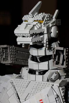 LEGO Mecha-Godzilla … Lego Mechs, Lego Bionicle, Legos, Godzilla Figures, Lego Iron Man, Lego Universe, Lego Custom Minifigures, Lego Club, Lego Robot