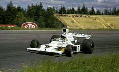1973 Swedish GP, Anderstorp : Denny Hulme in McLaren M23 during qualifying session. (ph: gtxforums.com)