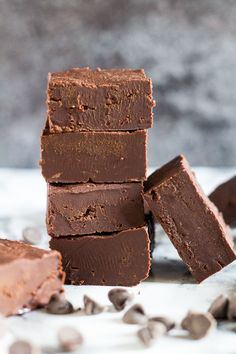 Easy Chocolate Fudge - Incredibly easy and deliciously creamy chocolate fudge that only requires 4 simple ingredients to make!