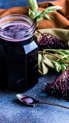 Natural Cough Remedies, Cold Home Remedies, Herbal Remedies, Healthy Food Choices, Healthy Foods To Eat, Healthy Recipes, Herb Recipes, Elderberry Recipes, Elderberry Syrup
