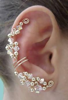 "~ Ear Wrap ~ No Piercing ~ Stunning. Just gorgeous. (They had me at ""no piercing) Wire Jewelry, Jewelry Box, Jewelry Accessories, Jewelry Making, Jewelry Ideas, Bling Bling, Bijoux Design, Jewelry Design, Diy Schmuck"