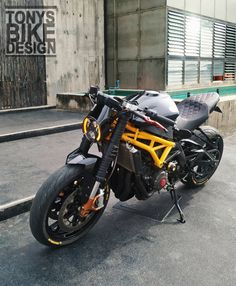 989 Me gusta, 13 comentarios - Nontchart Tanachantseesorn ( e. Motorcycle Design, Bike Design, Custom Motorcycles, Custom Bikes, Ducati Monster 600, Ktm Dirt Bikes, Cb 450, Street Fighter Motorcycle, Triumph Cafe Racer