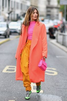 Summer fashion Street Style - Part 1 Milan Fashion Week Spring/Summer 2020 - FunkyForty 2020 Fashion Trends, Fashion 2020, Look Fashion, Street Fashion, Fashion Outfits, Classy Fashion, Fashion News, Fashion Online, Fashion Shoes