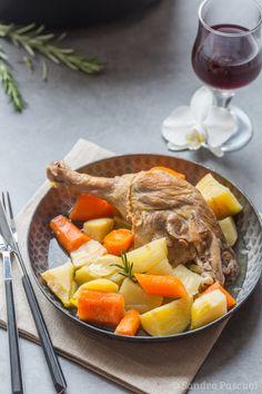 Pour changer du pot au feu traditionnel, je vous propose la recette d'un pot-au-feu au canard!