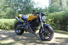 View desmojet's 2009 Ducati Monster 696 on bikepics.com, the world's largest motorcycle sharing website.