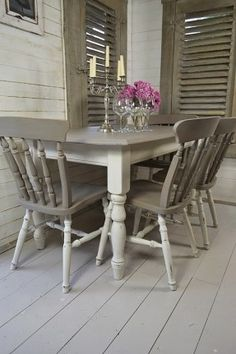Dine in style with our stunning grey and white split dining set! Painted in Annie Sloan's gorgeous French Linen and Old White, this set will have the family sat down in super quick time!