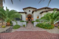 $3.75 M Gorgeous Estate Combining Spanish Colonial Elements and Hacienda style in Paradise Valley