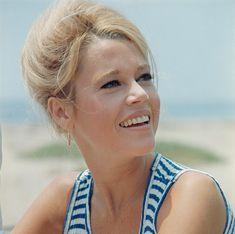 Les plus belles photos de Jane Fonda Jane Fonda, Henry Fonda, Bridget Fonda, Robert Redford, Vanity Fair, Michael Jackson, New York Socialites, Sports Today, Delon