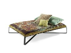 divan daybed oriental style daydreamer jan kath 1 thumb 1600xauto 55206 Divan Daybed in Oriental Style Upholstered with Silk Carpets: Daydreamer by Jan Kath