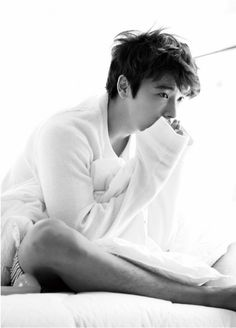 donghae_black_and_white_photo_for_ceci-8921.jpg (498×693)
