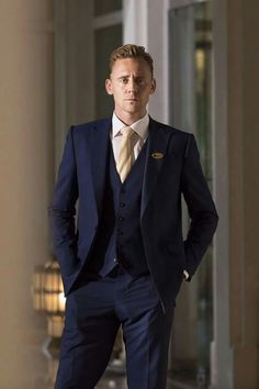 Tom Hiddleston.The Night Manager.
