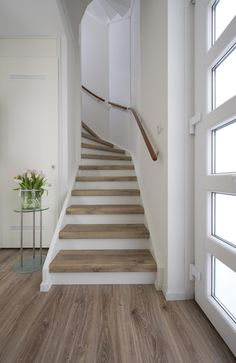 Love the thick stair treads. House Stairs, Basement Stairs, Stair Renovation, Staircase Remodel, Staircase Design, Home Reno, My Dream Home, Future House, Interior And Exterior